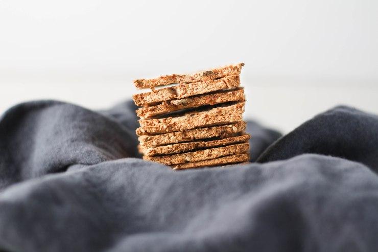 almond-pulp-crackers-gluten-free